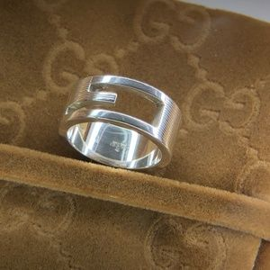 Authentic Gucci G Logo Ring Unisex size 5.75